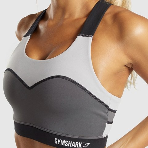 7a1aa352b6e205 Gymshark illusion sports bra in size S - would fit size 8 a - Depop