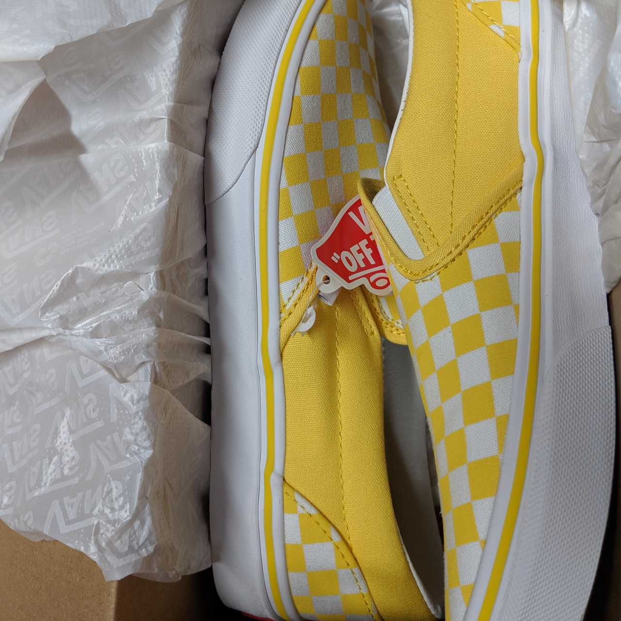 Aspen Gold Yellow Checkered Vans Slip On </p>                     </div> 					<!--bof Product URL --> 										<!--eof Product URL --> 					<!--bof Quantity Discounts table --> 											<!--eof Quantity Discounts table --> 				</div> 			</dd> 						<dt class=