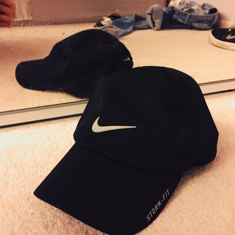 e8beb1ad6d4faa Nike Storm Fit Strapback Hat. Really light material, great a - Depop