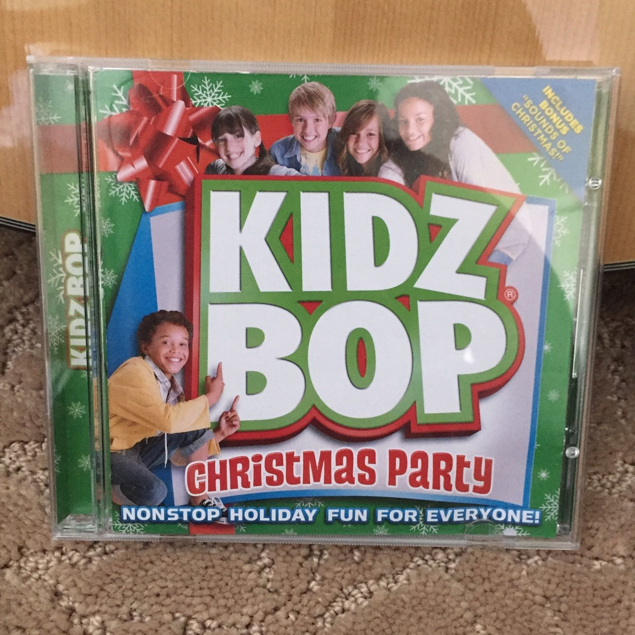 Kidz Bop Christmas Party CD~ CD in good condition, no buy - Depop