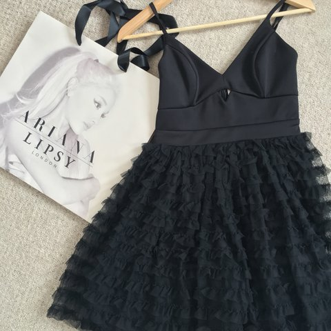 16aa3b3ef6 Size 8 Ariana Grande for Lipsy black skater dress