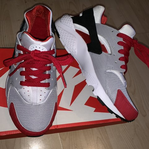 b5045644a064 Nike huarache brand new with box UK size 4.5 Colour is Wolf - Depop