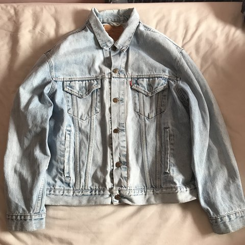 a74fbbf2b4 Vintage Levi denim jacket Light stone wash Great condition - Depop