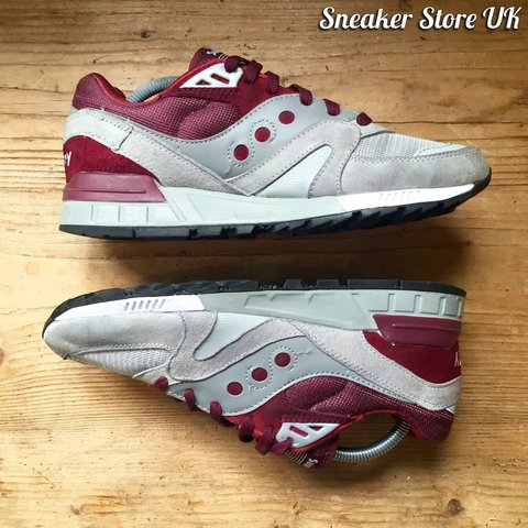 c29c268c312d Saucony Shadow Master    UK 8    Burgundy + Grey Known for a - Depop