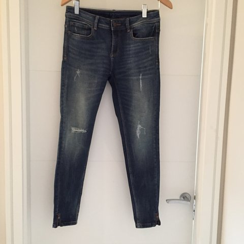 07367703 @sod. 3 days ago. Dublin, Ireland. Zara ripped jeans. Distressed look jeans.  Zara basic collection 1975. Size ...