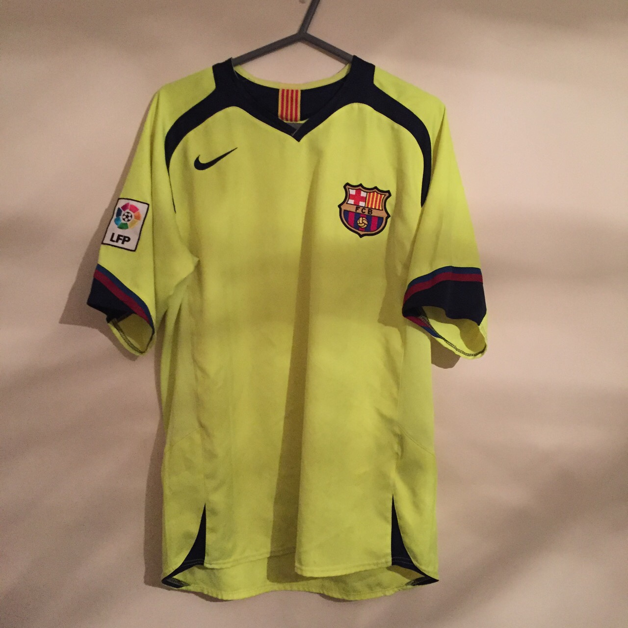 save off a4805 1d769 Barcelona away kit and training vest from 2005/06... - Depop
