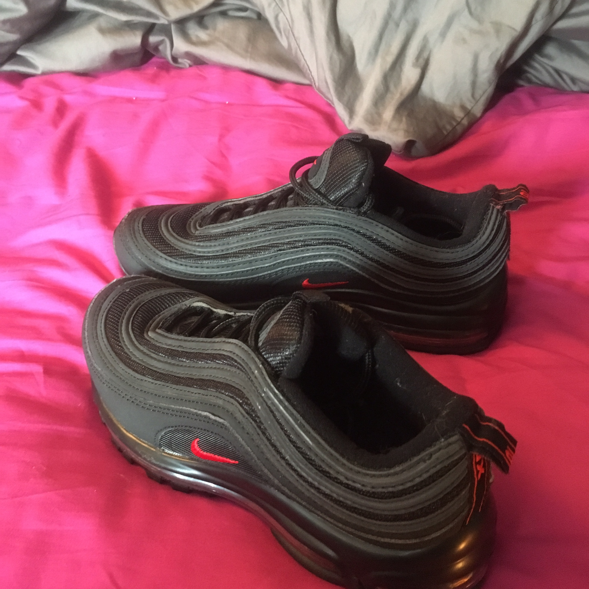 RESERVED All black Nike air max 97 with red tick