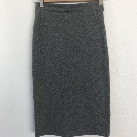 0311a7a613da @laurenbruni. last year. Portland, United States. H&M Jersey Pencil Skirt  in Marbled Grey.
