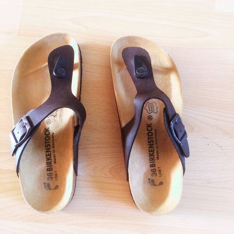 367ea74c7bb2 Classic Birkenstock sandals size 3 36. Used once. Unwanted - Depop