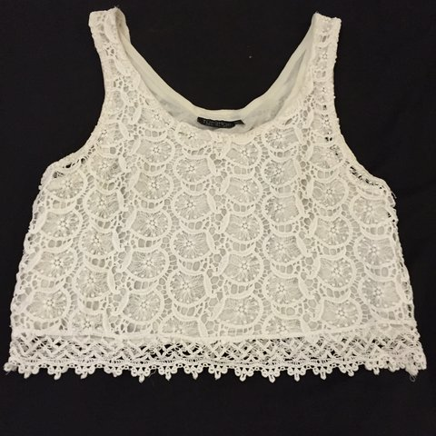774f4c5f8415b Broderie Anglaise lace cropped white summer top by Topshop - Depop