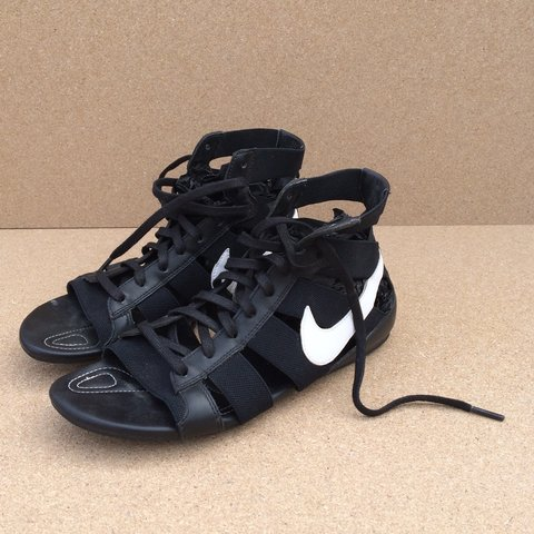 official photos 524bf 09b39 Nike gladiator sandals • worn- 0