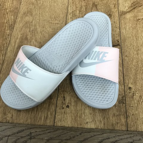 9090c6860adf Pink   white nike sliders. Worn twice