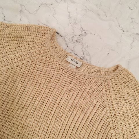 MONKI CREAM KNIT SWEATER     size SMALL baggy fit - good  hm - Depop fff5b970c