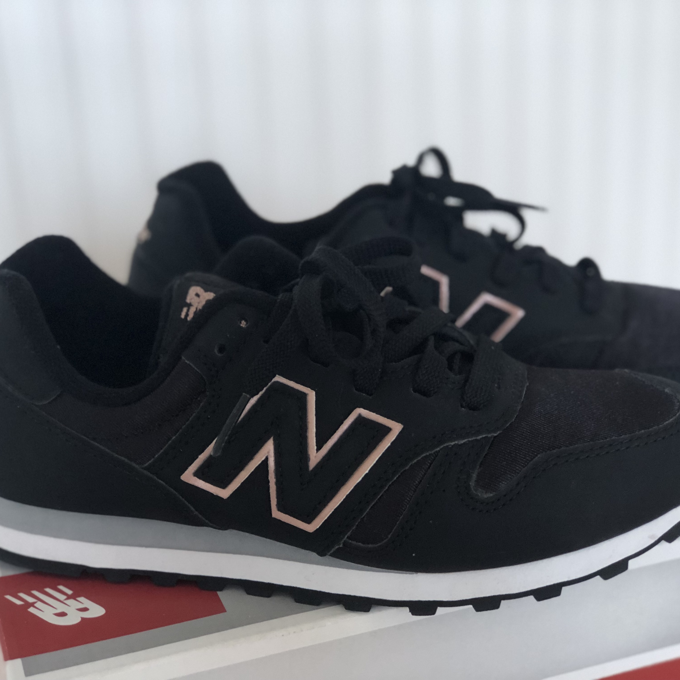 NEW NEW BALANCE 373 Black and Rose Gold trainers. Depop