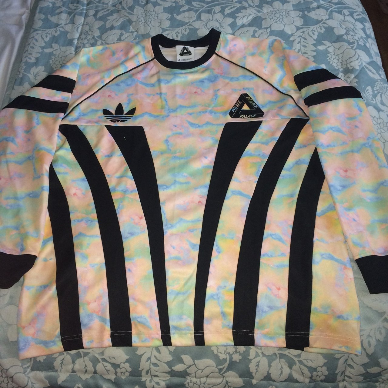 ed66148dc15 Palace x Adidas goalie top - 8 10 condition barely worn - of - Depop