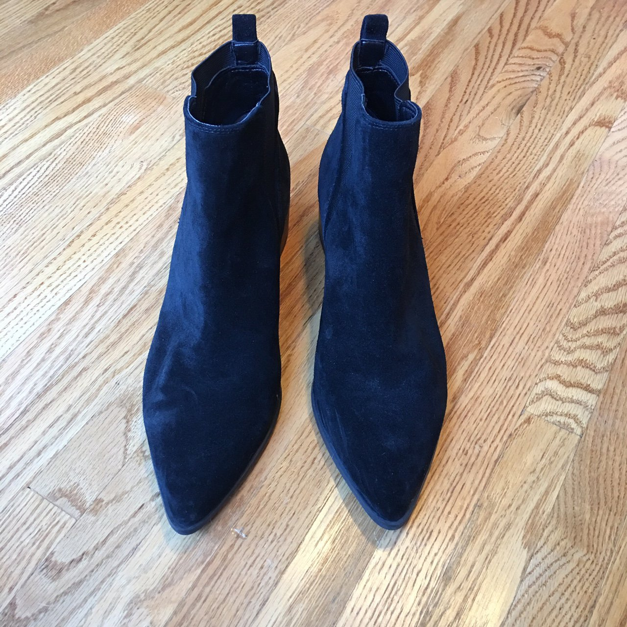 c21526b0f46 Marc Fisher Suede Chelsea Ankle Boots. Black. 8.5 US. Worn a - Depop