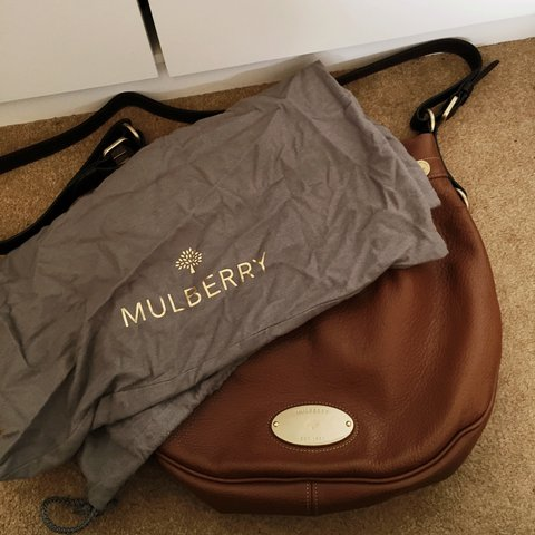 Genuine Mulberry Mitzy Messenger bag used once. No longer - Depop 6f43661efee3e