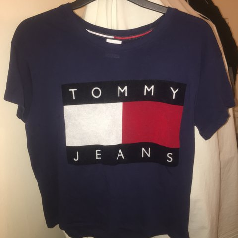 40e2363d @sora_. 2 years ago. London, UK. Tommy Jeans/Tommy Hilfiger Navy logo tshirt  in size ...