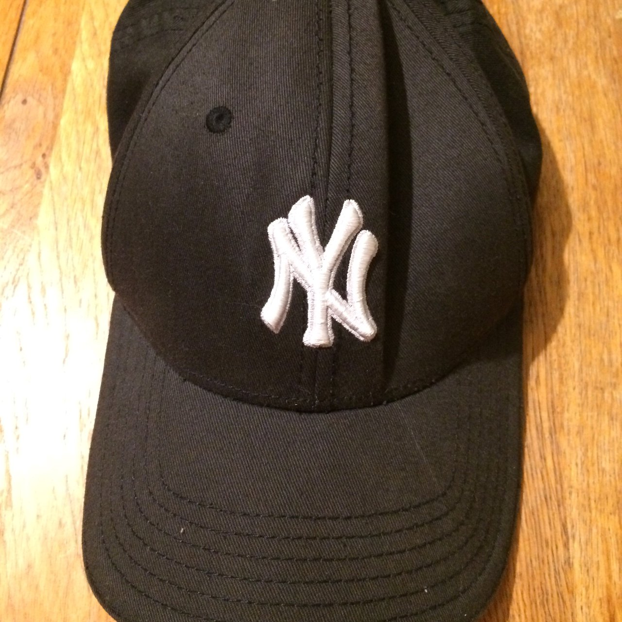 ⚾️NEW YORK YANKEES CAP⚾ - classic baseball cap - 100% - but - Depop 69497aaf494