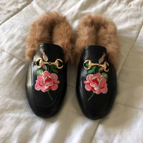 b4e92b610717 SHEIN Rose Fur Loafers These are the knock off of the Gucci - Depop