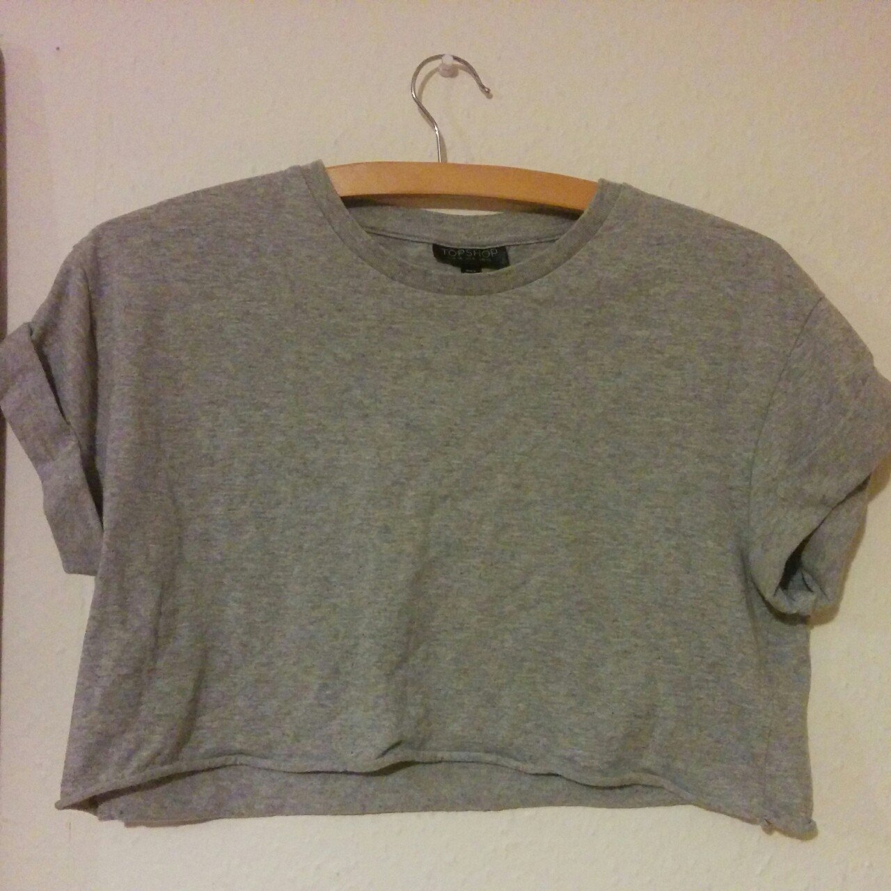 0b5a1422d079e6 Topshop size 10 basic grey cropped T-shirt with rolled up - Depop