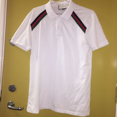 89d7896e67d Authentic White Gucci polo shirt. Size says L but very much - Depop