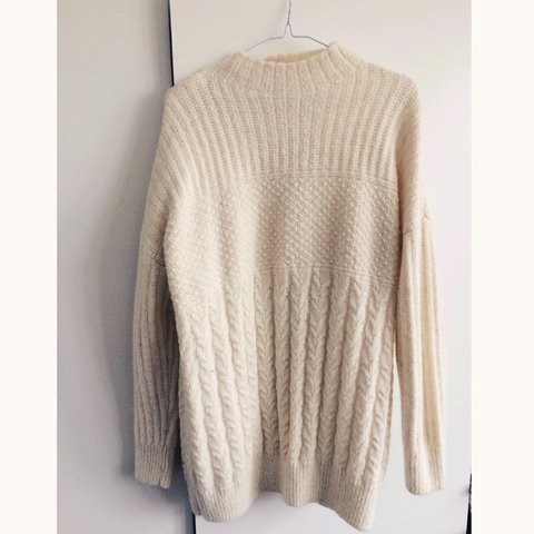 a0f2df0da7d999 @emilyhodson. 3 years ago. Bournemouth, Bournemouth, UK. TOPSHOP chunky  knit cream jumper.