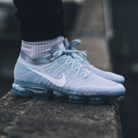 online store 42c08 07fd6  hannawalker . last year. London, UK. Nike Air Vapormax Platinum ...