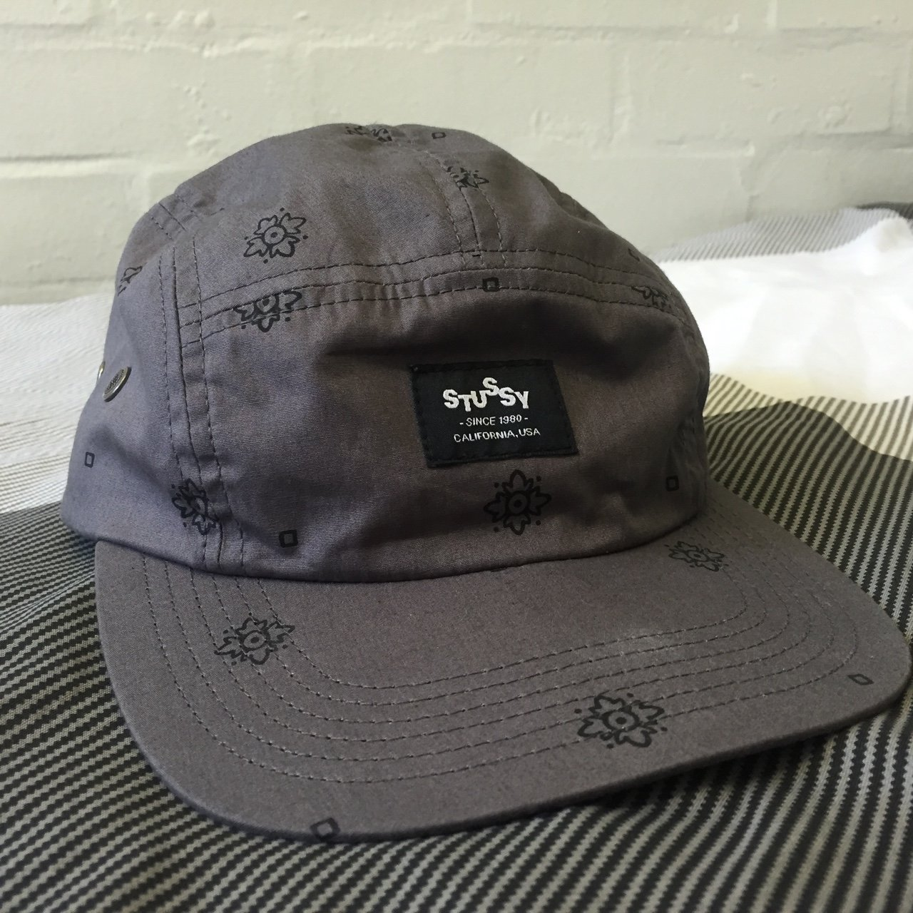 f03b9b23878 Lovely Stussy 5 panel cap in grey with black print effect. a - Depop