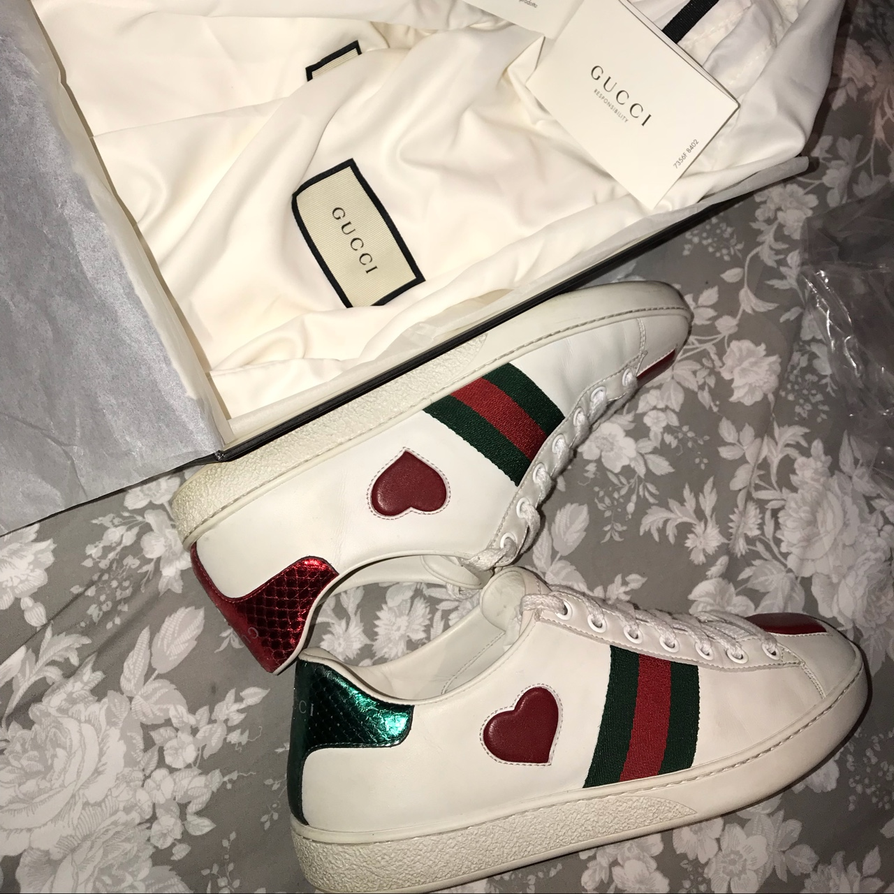 Gucci ace leather love heart sneakers