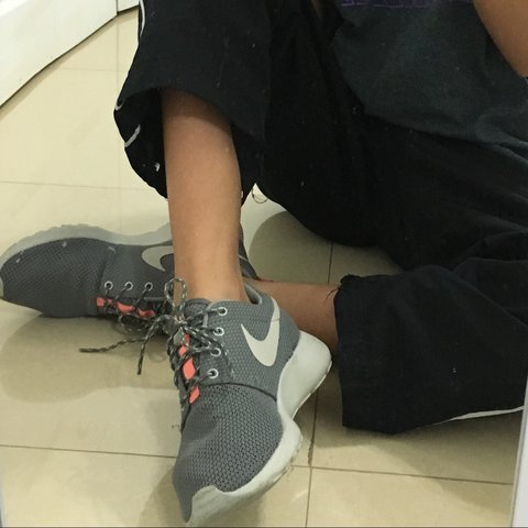 1fd2f005891c on hold  Nike roshe run trainers in gray and coral. So cute - Depop