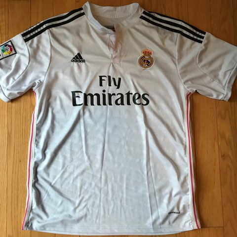 65dd57951ab Real Madrid Soccer Jersey kit James Size Large Football NBA - Depop