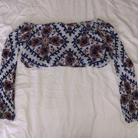 3832b5052f0 @emerfp. 12 hours ago. United Kingdom. PLT crop top/ bralette pref for  summer!! Size 10 would fit ...