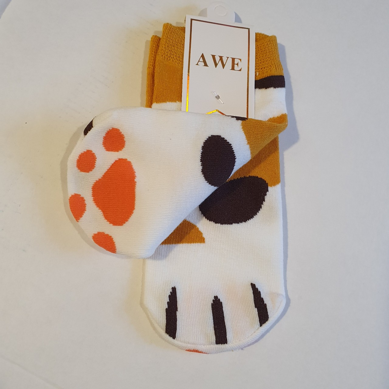 Cute kitty! Ankle trainer socks with a