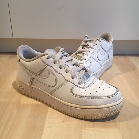 Nike Air Force 1 Low in white. Size 4