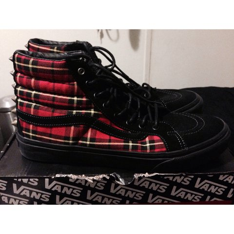 Worn once. Unisex Vans high top sk8 hi gold studded plaid - Depop ac812b554