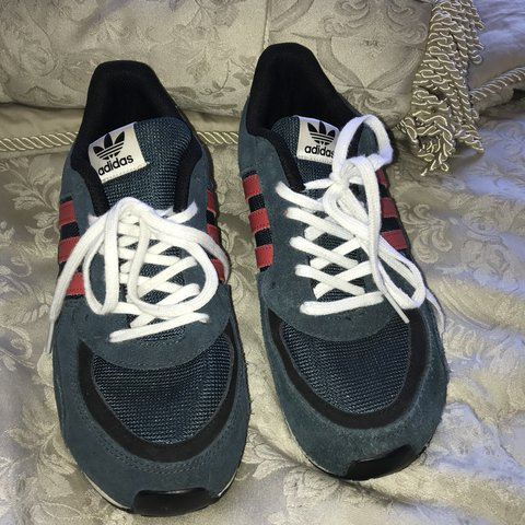 Unisex Adidas ZX 850 - worn 4 times max as u can see from on - Depop d88bc4a30