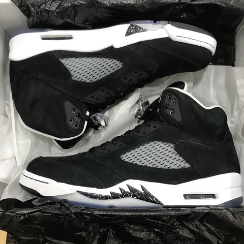 76e554ba3ccd Nike Air Jordan Retro 5 Oreo Black White Grey Brand New In - Depop