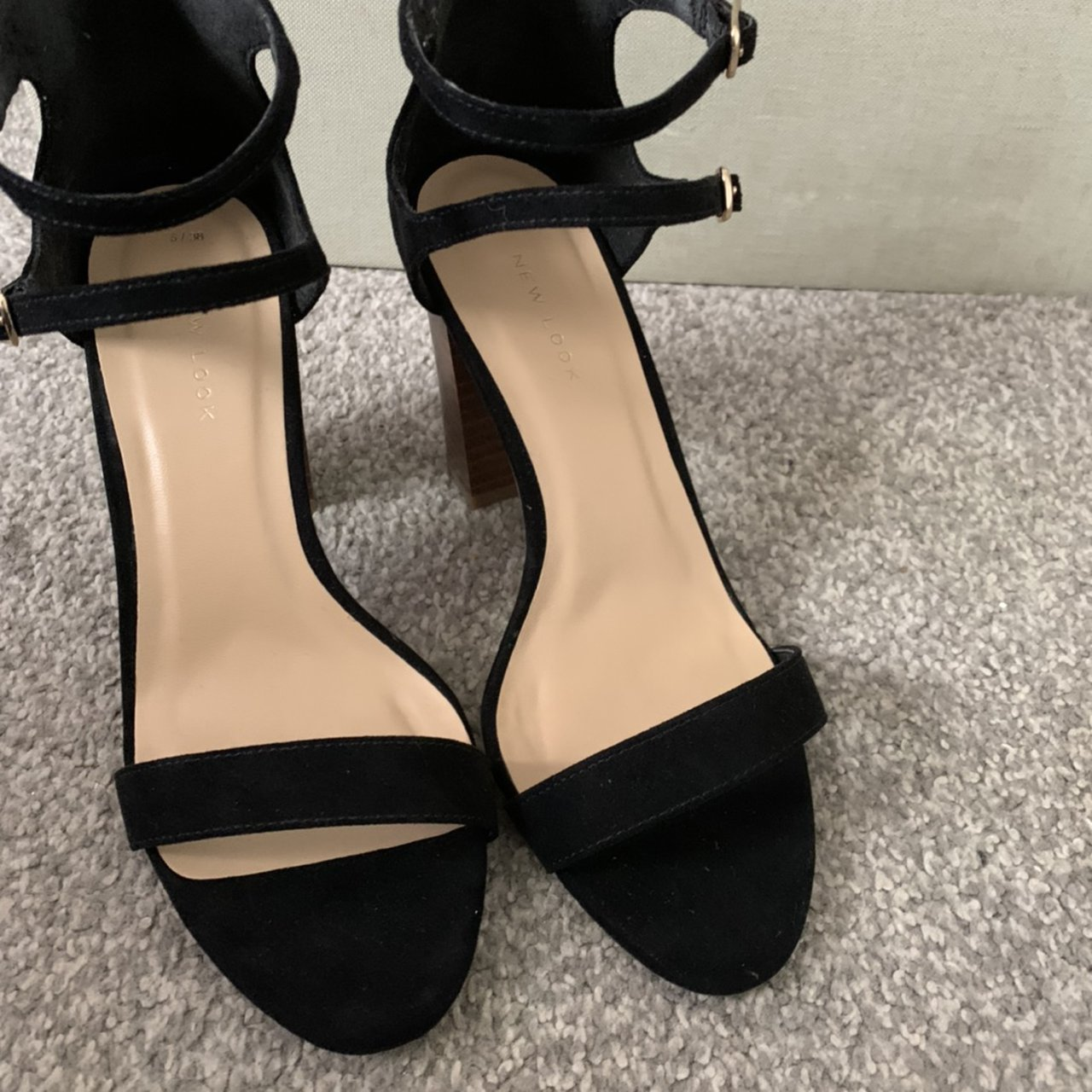 Heels - size 5 - new never worn - from