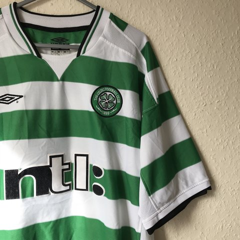 2279718b676 2001 Celtic FC home shirt by Umbro. Size XL. Great - Depop
