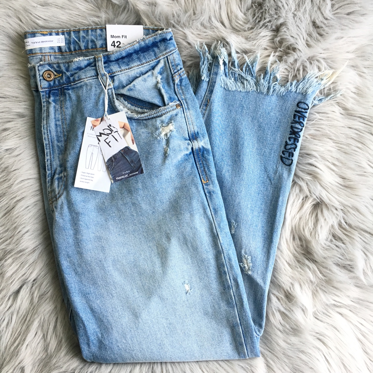 a24aa670 Zara Embroidered Mom Jeans Blue denim colored high... - Depop