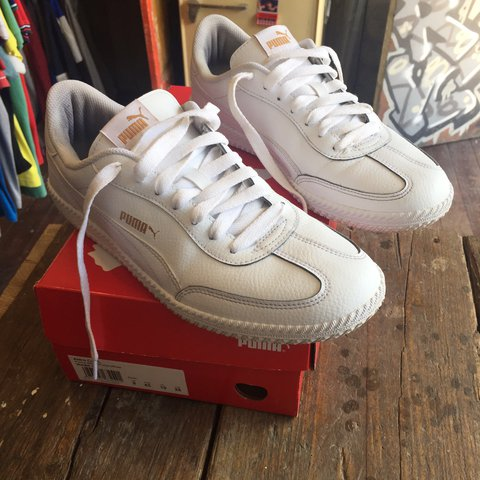 ca64db291cda Men s leather puma Astro cup casual trainers Uk size 9. us - Depop