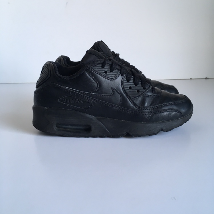 Nike Air Max 90 , Black Leather , Size UK 4 . Well...
