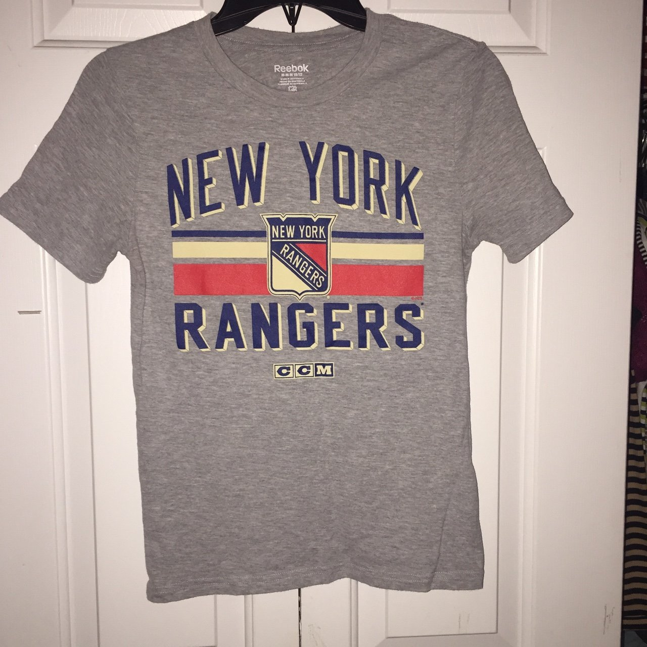 1266c2ed2 New York Rangers T-shirt - perfect for a casual look - M - Depop