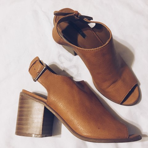 a9a93c4c155 These heels are from Forever 21 and feature a peep toe and a - Depop
