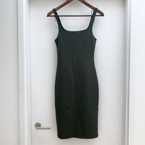 8fd0b367eefe @jobearman. 6 days ago. Tunbridge Wells, United Kingdom. Zara Trafaluc  khaki/dark green strappy bodycon midi dress.