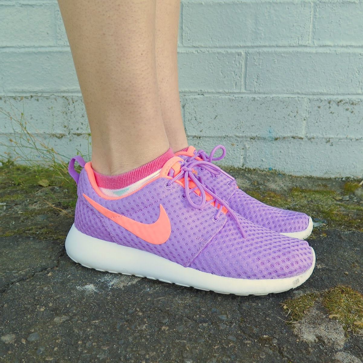info for 5b62f 19287 Purple and orange Nike roshes.- 0