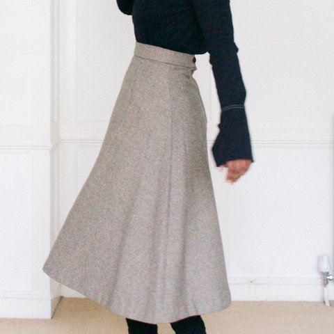 e77d43d370be @pattonstudio. 7 months ago. Windsor, United Kingdom. Vintage 100% wool  midi skirt