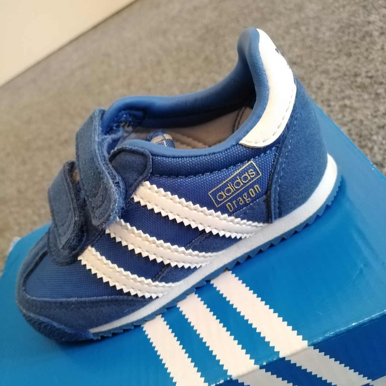 Kids Adidas Dragon trainers size 4k. Great condition...