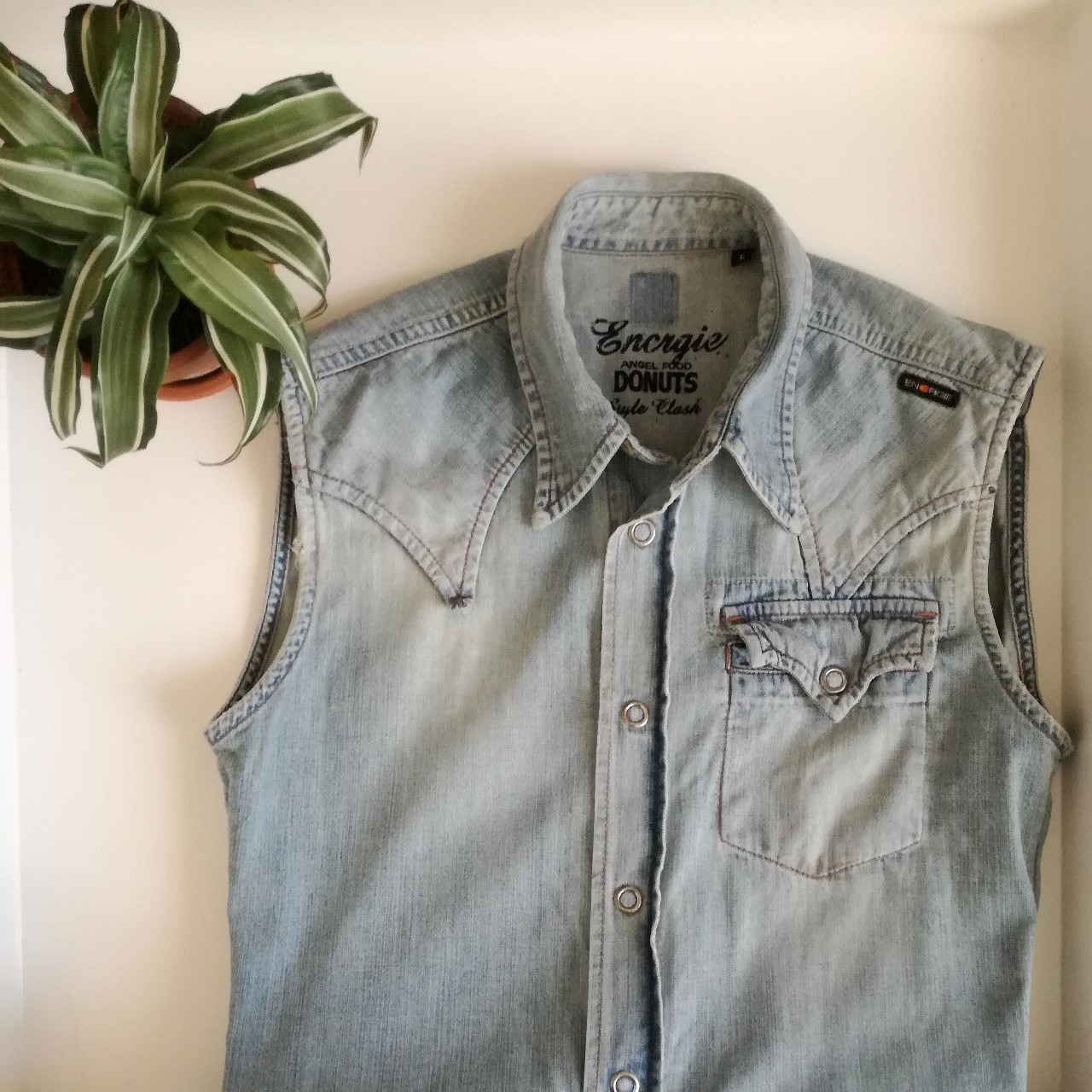 brand new 43b51 a5bf8 Camicia jeans smanicata uomo by #ENERGIE: bottoni a... - Depop